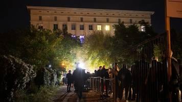 Corona in Berlin | Ausbruch im Berghain: Über 3.000 Menschen kontaktiert