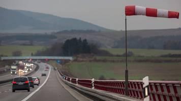 Unwetter in Deutschland: Achtung! Ab dieser Windstärke Auto stehen lassen