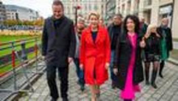 berliner abgeordnetenhaus: koalitionsverhandlungen von rot-grün-rot in berlin begonnen