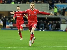 Aue feiert ersten Saisonsieg: Joker Doyle wird beim HSV zum Heilsbringer