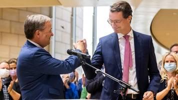 regierungswechsel: laschet will am montag rücktritt als nrw-ministerpräsident einreichen