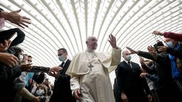 Kirche: Papst Franziskus dankt Messi für geschenktes PSG-Trikot