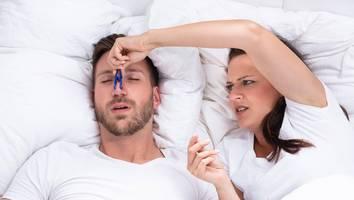schlaflose nächte - schnarchen passé: mit diesen tipps und tricks gehört es der vergangenheit an