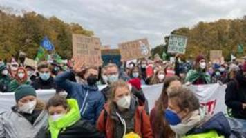 Tausende demonstrieren in Berlin für besseren Klimaschutz