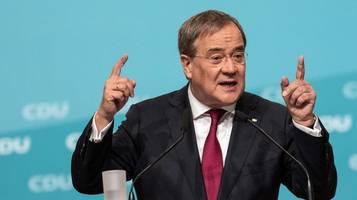 CDU-Chef Armin Laschet redet das Wahlergebnis schön: Tassen im Schrank lassen