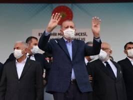 Ausweisung noch nicht umgesetzt: Westen berät über Reaktion auf Erdogan