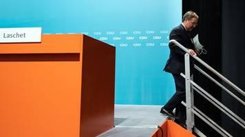 Laschet legt Amt als Ministerpräsident nieder