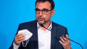 gesundheitsversorgung: holetschek warnt vor finanzinvestoren