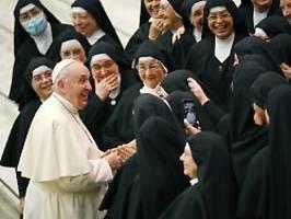 chef eines apartheidssystems: emma kürt papst zum sexist man alive