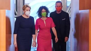 start für rot-grün-rote arbeitsgruppen in berlin