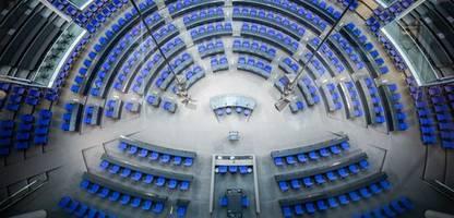 Bundestag - Konstituierende Sitzung: Größer, jünger, weiblicher