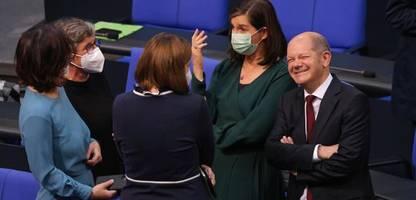 Konstituierende Sitzung im Bundestag: Es menschelt im Parlament